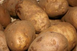 Как потушить курицу с картошкой